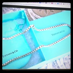TIFFANY&Co 💯 authentic Venetian Box Link Necklace